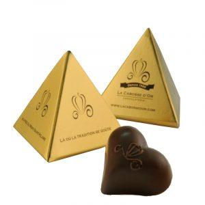 boite pyramide, un morceau, chocolat, cabosse d'or